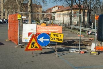 Segnaletica rifacimento stradale, lavori in corso