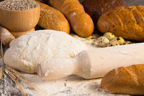 flour, eggs, white bread, wheat ears