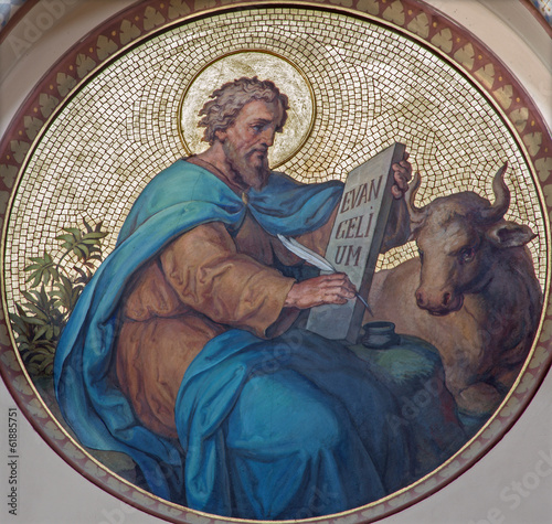 Leinwandbild Motiv Vienna - Saint Luke the Evangelist  in Carmelites church