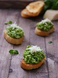 green peas pesto with mint