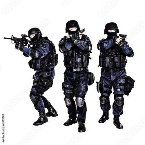 SWAT team in action - 61895582