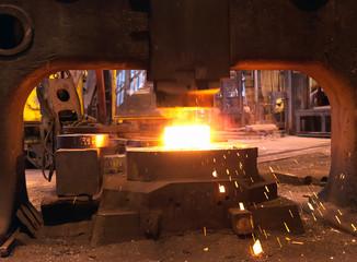 schmieden von Gussteilen // steel mill