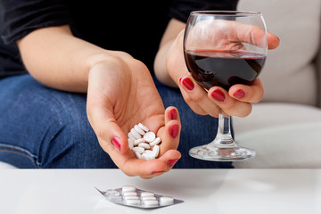Suicide with pills and alcohol