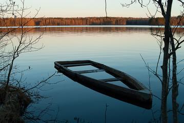 A flooded boat (landscape 2)