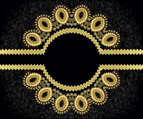 figured, golden frame with wavy rim