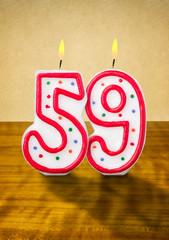 Brennende Geburtstagskerzen Nummer 59