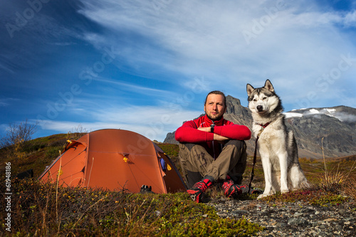 Caming with Siberian Husky in Autumn in Sweden