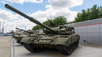танк Т-72 экспонат военного музея