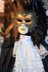 maschere di carnevale a venezia in piazza san marco