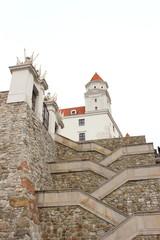Stiegenaufgang zur Bratislavaer Burg in der Slowakei