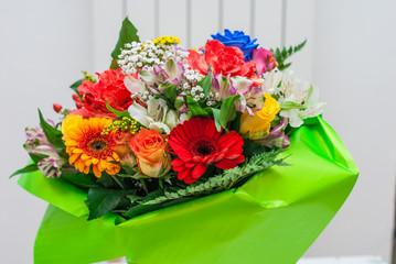 Mazzo di fiori, bouquet auguri
