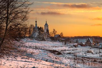 Храм зимой  на закате. Боровск.