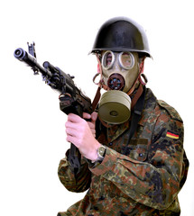 Soldat portant un masque de Gask