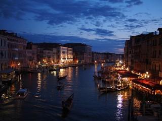 イタリア 水の都 ベネチアの夜景