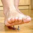 Verletzungs-Gefahr durch spitze Schrauben