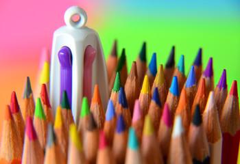 Stylo 4 couleurs et Crayons de couleurs