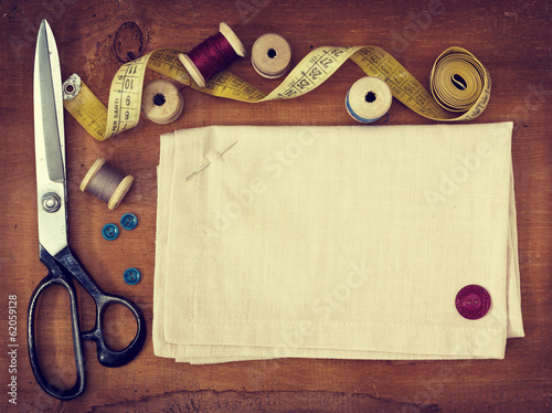 Tools for sewing (toning)