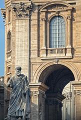 statua San Pietro