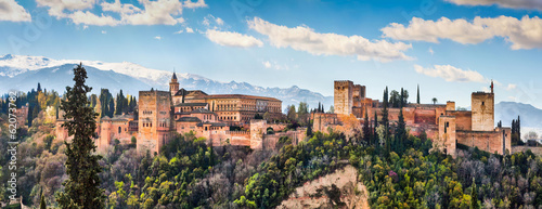 Fotobehang Vestingwerk Famous Alhambra in Granada, Andalusia, Spain