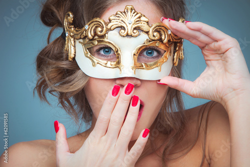 woman with venetian mask