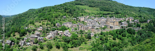 Panorama du village de Conques