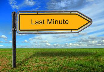Strassenschild 17 - Last Minute