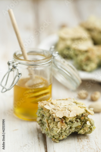 Pistachio and honey cake
