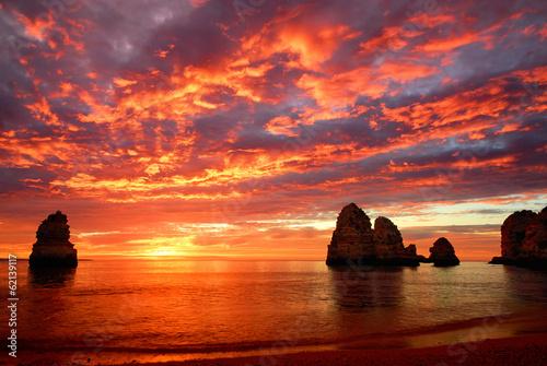 canvas print picture Atemberaubender Sonnenaufgang am Meer