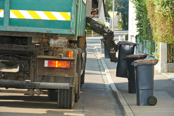 Urban recycling waste and garbage services