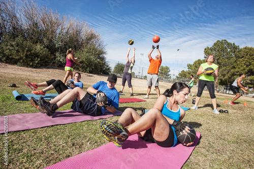 Leinwandbild Motiv Outdoor Bootcamp Fitness Class