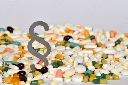 Arzneimittelrecht, Paragraph, Medikamente, Tabletten, Haftung
