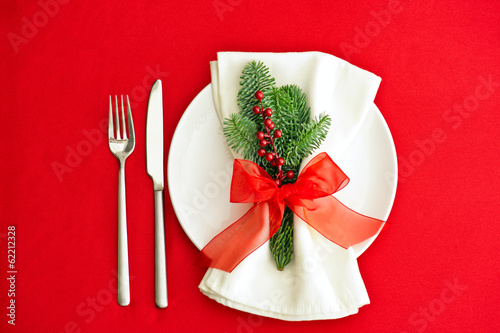 Christmas Dinner place setting in red