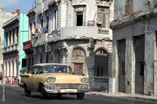 Old car running in Havana - 62228723