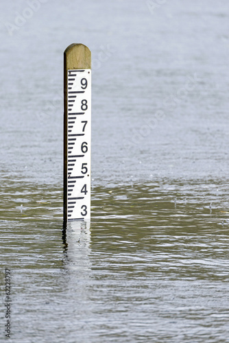 Flood level water depth marker post