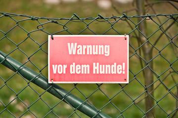 Schild - Warnung vor dem Hunde