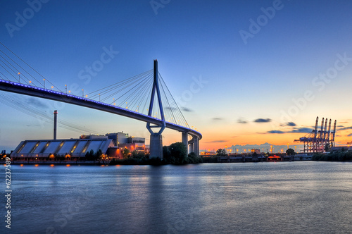 Leinwanddruck Bild Köhlbrandbrücke in Hamburg