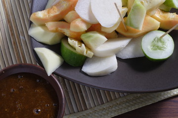 Rujak, Traditional fruit salad dish