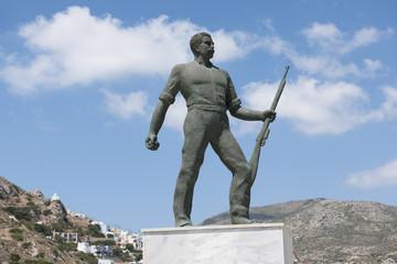 Kriegsdenkmal auf Karpathos
