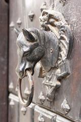 Llamador con forma de cabeza de caballo