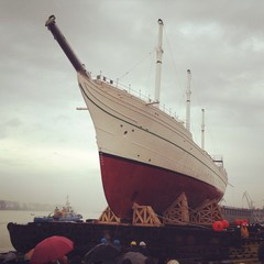 Vessel launch