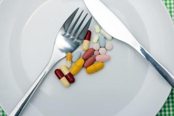 Tablettenmix mit Besteck Detail