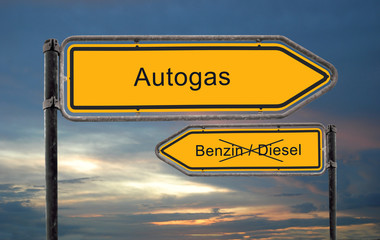 Strassenschild 18 - Autogas