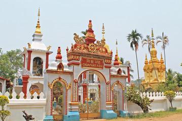 Очень красивый монастырь буддистский, Лаос.