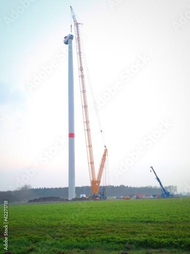 Windkraftanlage im Bau