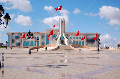Foto op Aluminium Tunesië The Town Hall of Tunis and its large square