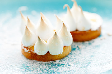 lemon cake with meringue