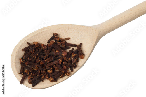 Spoon with cloves