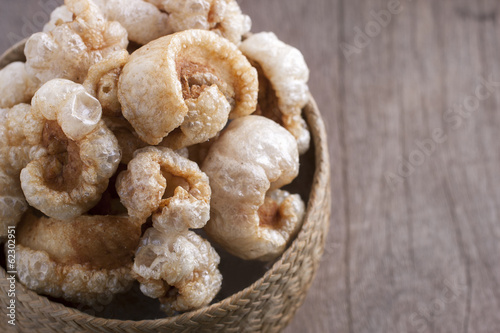Crispy pork rinds