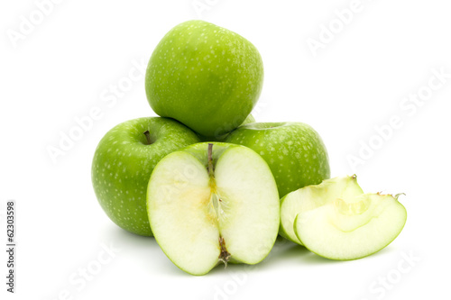 Green apples and sliced