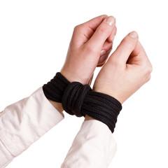 mit dem Seil gebundene Hände